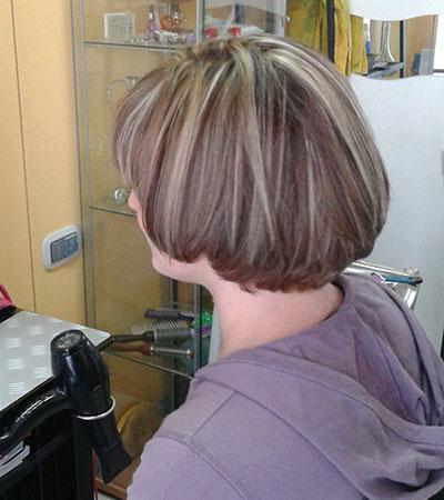 Taglio di capelli a caschetto